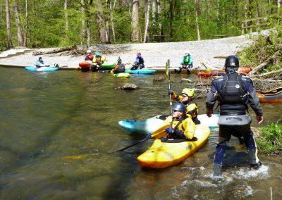 eddy full of kayaks on the natahala
